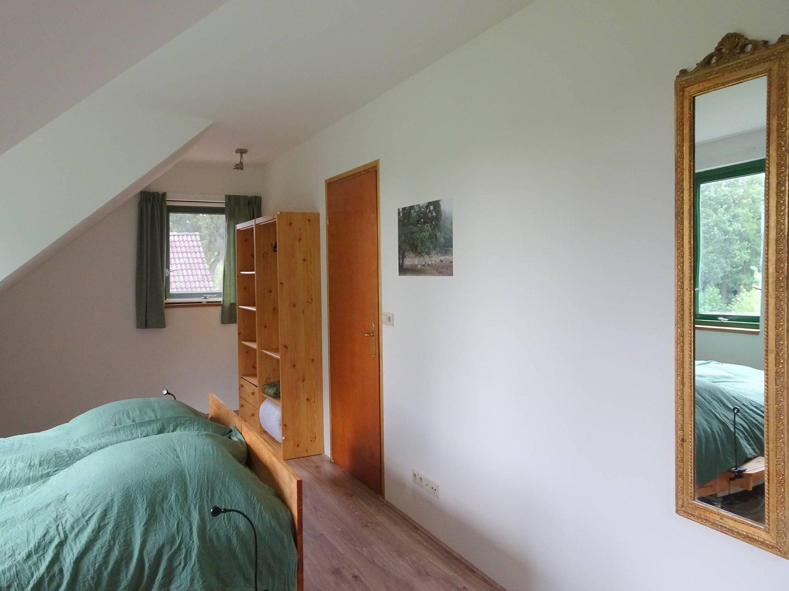 Grote slaapkamer boven Badzicht Schipborg Músarrindill
