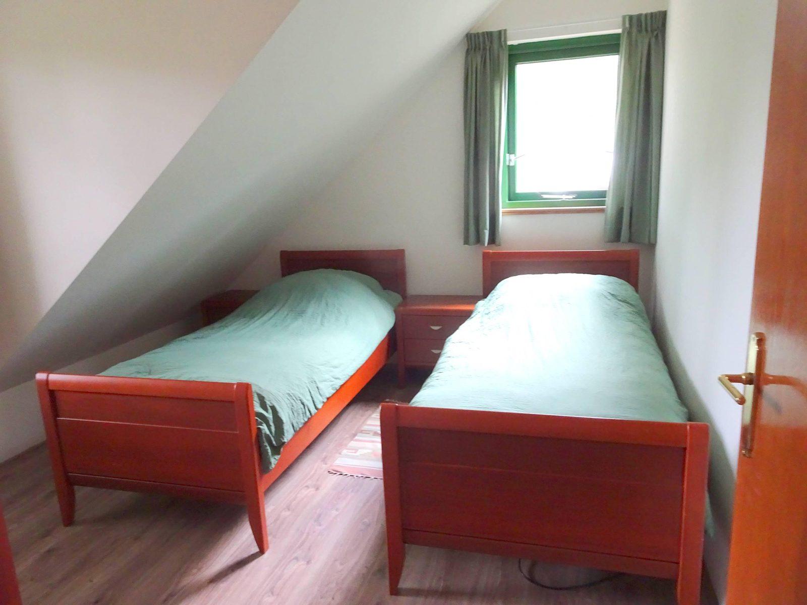 Grote slaapkamer boven Badzicht Schipborg Músarrindill 2