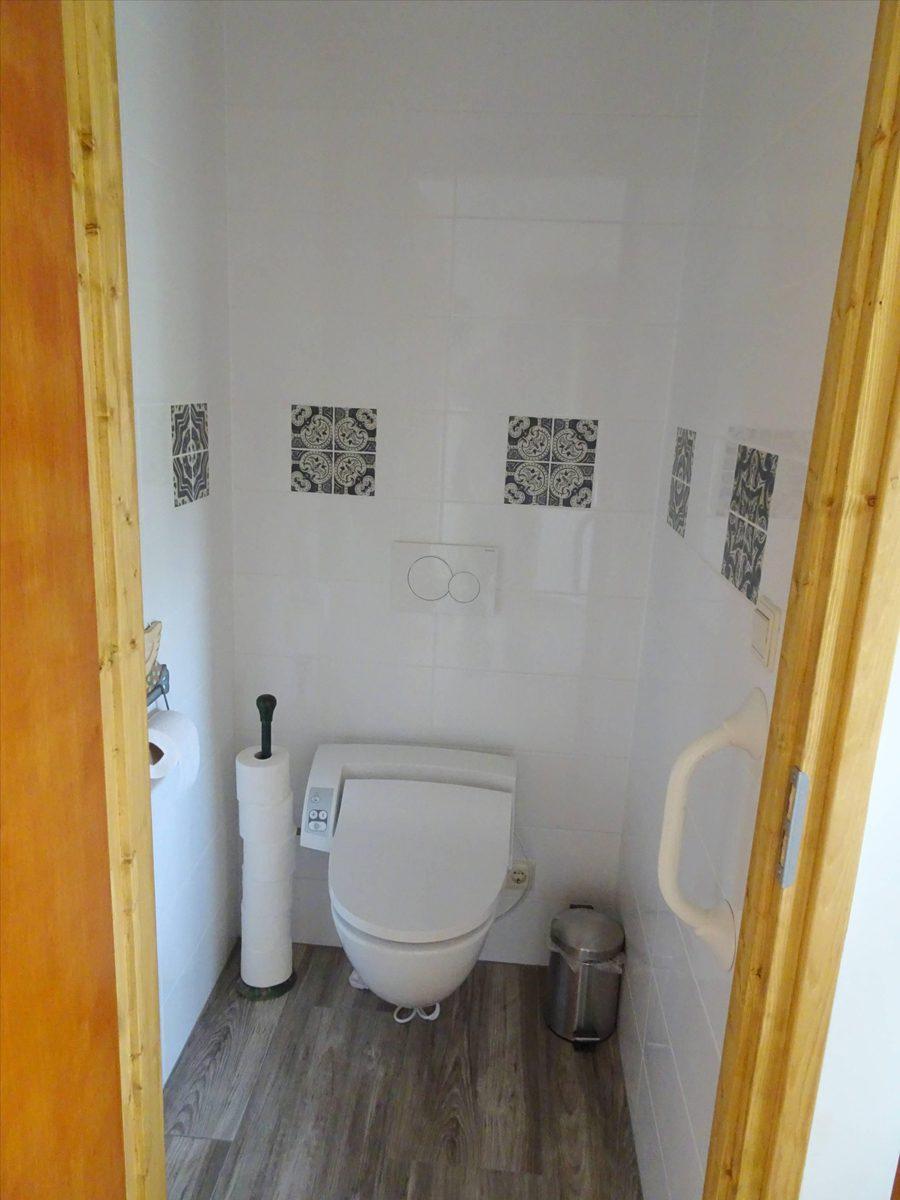 Toilet beneden Badzicht Schipborg Músarrindill